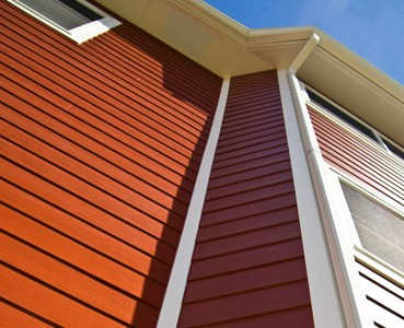FADE RESISTANCE Paint and other siding finishes applied in the field can dull substantially over time. ColorPlus® Technology is specifically engineered to help resist damaging UV rays, so your color will stay vibrant for longer.